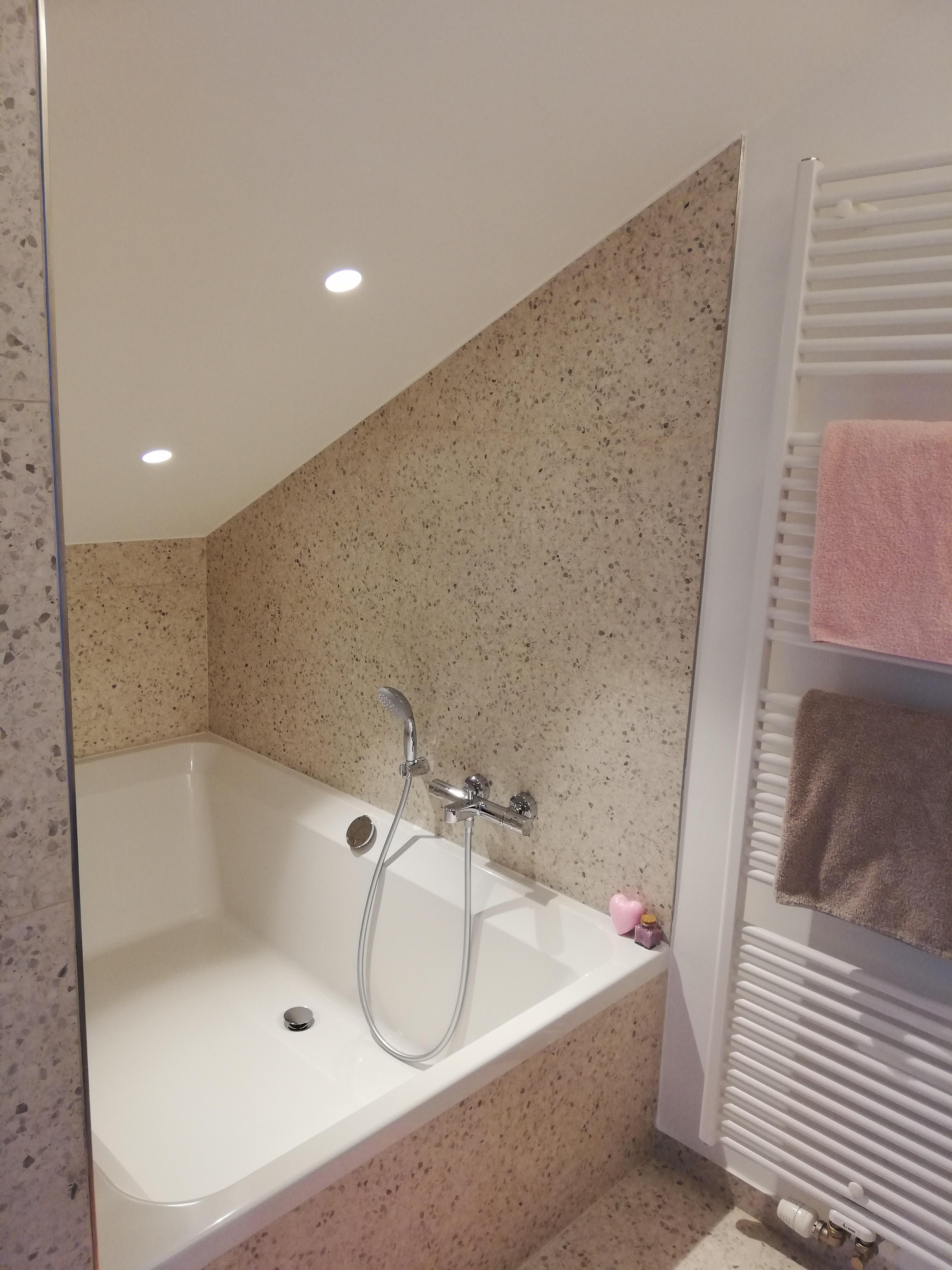 Double bath room Avondzon